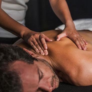 Os benefícios da massagem tântrica