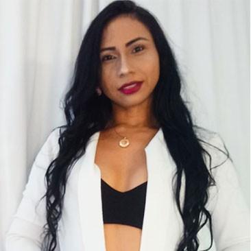 Júlia Andrade Massoterapeuta